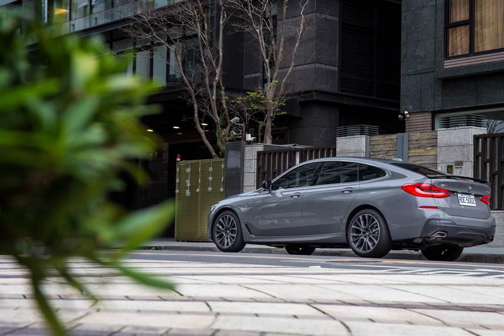630i M Sport Gran Turismo雖然並未列入Luxury Class旗艦系列(7系、8系及X7),但用料質感堪稱隱形旗艦,就如同巷弄中的豪宅,內行人才懂得品味,但也造就其市場反應不若其他車款來的熱絡。(陳彥文攝)