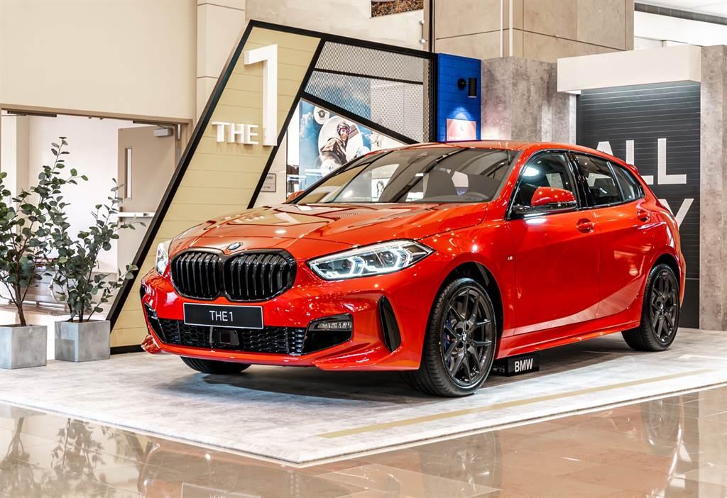 現場展出BMW 120i Edition M與220i Gran Coupe Edition M兩款最具時尚態度的代表車款。(圖為BMW 120i Edition M)
