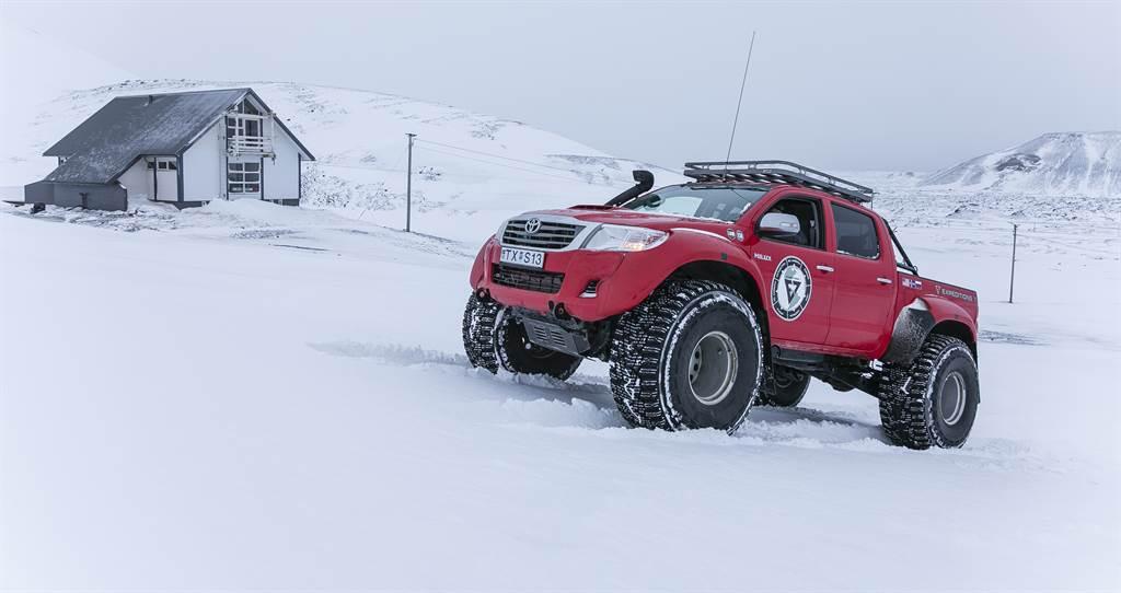 相較於鎖定極地探險使用的AT44,AT35確實只是輕度改裝而已。