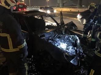 酒駕自撞釀火燒車 燒肉店老闆肋骨斷裂