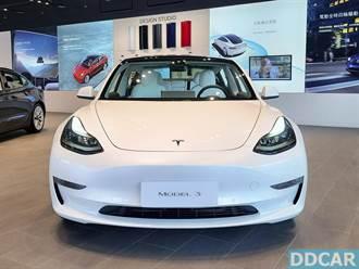 台灣首批白內裝 Model 3 一手直擊:這個白真的帥!