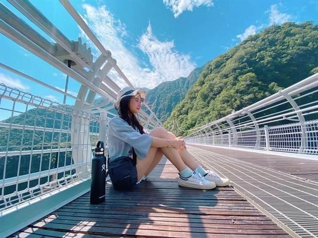 布洛灣山月吊橋 IG@zhiyao._ (圖/ReadyGo提供)