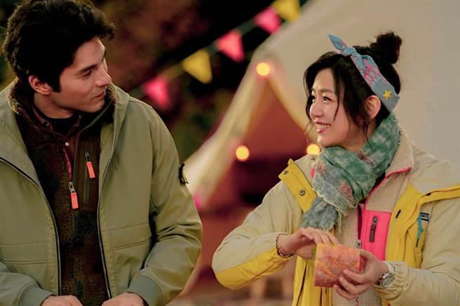鳳小岳和陳妍希在片中有感人對手戲。(好好看文創/滿滿額娛樂提供)