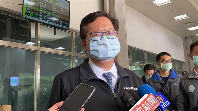護理師1家7口都確診,桃園市長鄭文燦9日感嘆病毒滲透力真的很強。(蔡依珍攝)