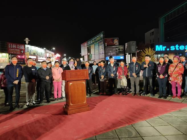彰化縣長王惠美也特別到場,表示感謝所有醫護及縣民的努力,一起守住彰化,對抗疫情,讓彰化能夠在堅守防疫作為時辦理燈會。(吳建輝攝)