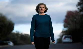 頭條揭密》向川普豎中指丟了工作 單親媽轉競選公職成政治新星
