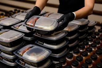便當店家送錯餐超扯換法:免洗筷換主菜 客人氣炸拒絕再吃
