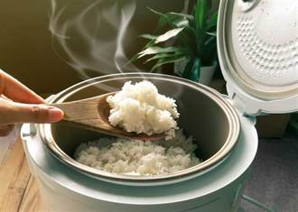 日本廚師煮飯秘技!電鍋內加冰塊 米粒好吃到爆