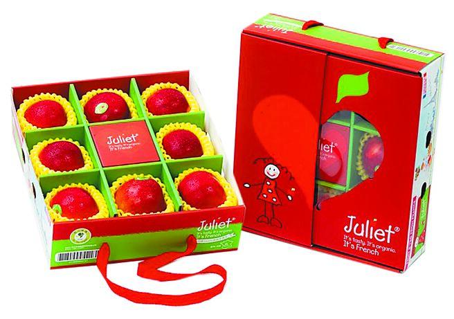 全聯「法國有機茱麗葉蘋果禮盒」,原價599元、2月18日前特價520元。(全聯提供)