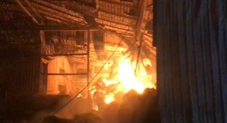 南投金紙廠初一暗夜大火 估損失2000萬元