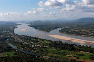大陸建壩攔水 湄公河出現驚人低水位