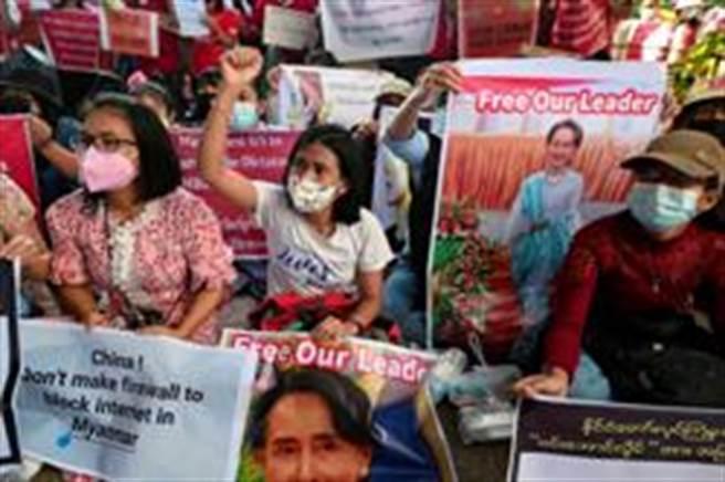 緬甸繼續示威,抗議軍政府政變奪權(路透)