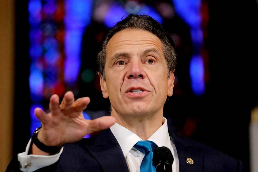 2020年3月纽约州长古莫(Andrew Cuomo)的一项命令导致当地养老院被迫接收9,000名逐渐康复的新冠患者,外界指出,这项命令可能是造成当时纽约州养老院新冠大爆发的原因之一。(资料照/路透社)(photo:ChinaTimes)
