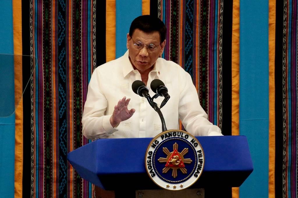 菲律宾总统杜特蒂(Rodrigo Duterte)13日表示,如果美国想保留菲美20多年历史的军队互访协定,就必须拿出钱来。(资料照/路透社)(photo:ChinaTimes)