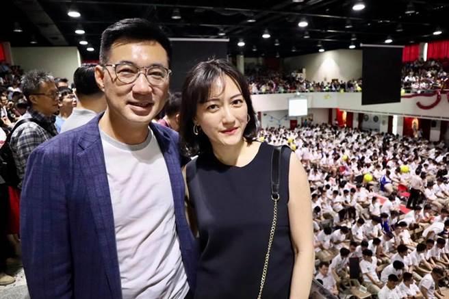 國民黨主席、立委江啟臣與老婆劉姿伶。(圖/摘自江啟臣臉書)