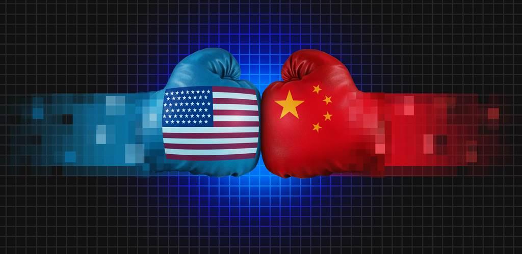 資訊科技專家認為,中美科技冷戰裡北京視野更全面,在華盛頓只聚焦國防安全領域同時,大陸直接改變戰爭型態本身。(示意圖/達志影像shutterstock)