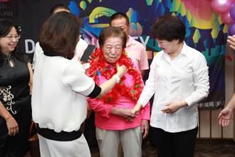 高齡94歲當環保志工13年  阿嬤清晨上工整理環境