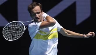 澳網》麥維德夫18連勝 四大賽男單8強首見3俄將