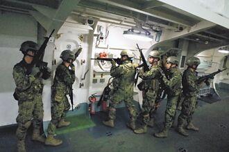 防衛離島 日導入首批兩棲運輸艦