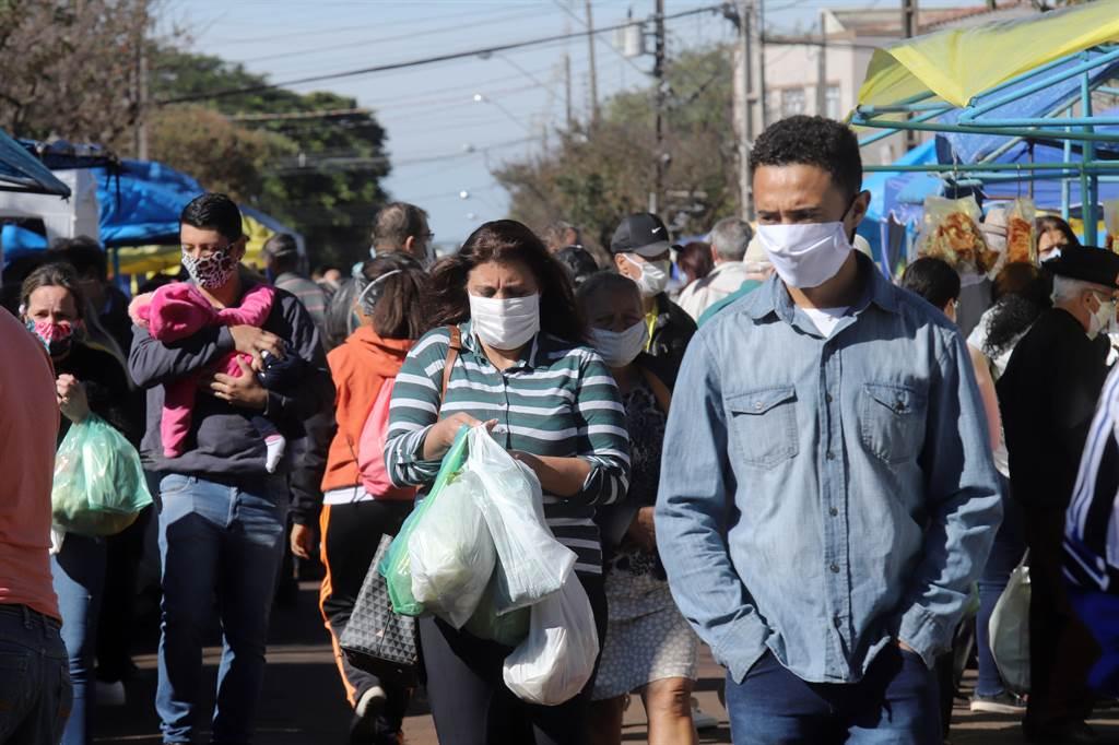 因新型冠状病毒大流行,巴西禁止举行嘉年华狂欢节庆祝活动。示意图/shutterstock(photo:ChinaTimes)