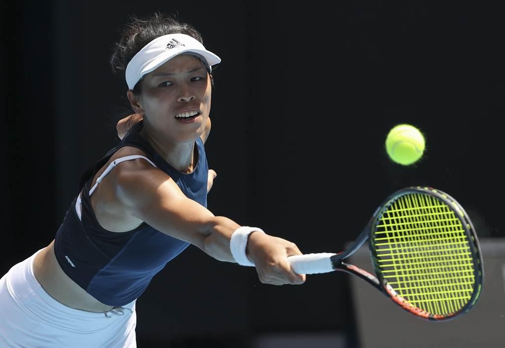 謝淑薇在澳網女單8強飲恨大坂直美,無緣晉級4強。(美聯社)