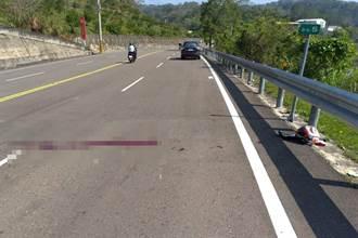 路面长长血痕迹 26岁重机骑士转弯失速自撞护栏身亡