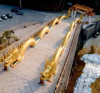 南投法華寺「金鳳吐珠」 攝影家紀錄吉祥瞬間