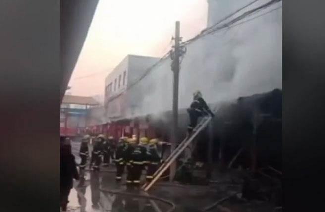 山東禹城市鬲津社區一間蛋糕店今日清晨6時14分發生火災,造成7人死亡。