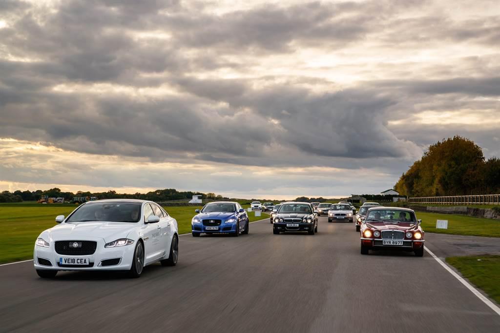 自1968年問世以來,XJ一直是Jaguar品牌的旗艦代表,然而在全新策略中XJ卻被排除在外,原先預計今年發表的電動版本後繼車也胎死腹中。