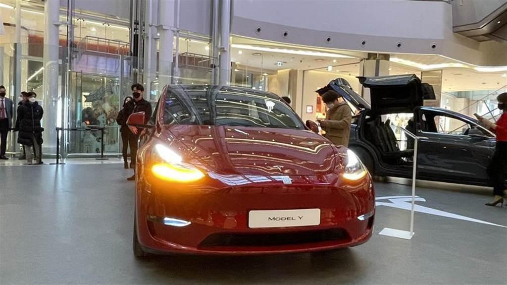 Model Y 在韓國平價上市!152 萬元買 SR 標準續航版,2021 下半年就交車