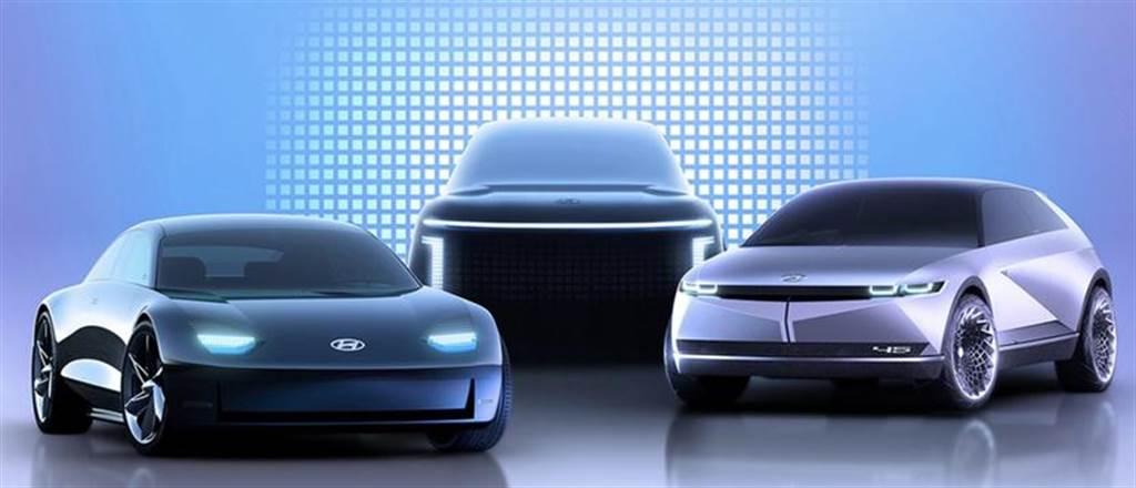 現代 IONIQ 5 打造可移動中控台,騰出空間讓駕駛從二側車門輕鬆進出