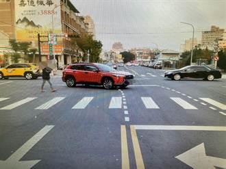 台中汽、機車擦撞 警研判疑汽車未依規定轉彎