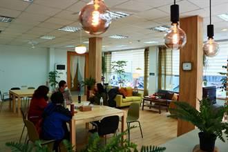 高齡化社會來臨 弘道打造「社區客廳」營造共生環境