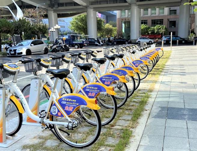 台中ibike20增千站計畫,市府陸續於鐵路高架沿線各站週邊設站,提升大眾運輸轉乘便利性。(陳世宗攝)