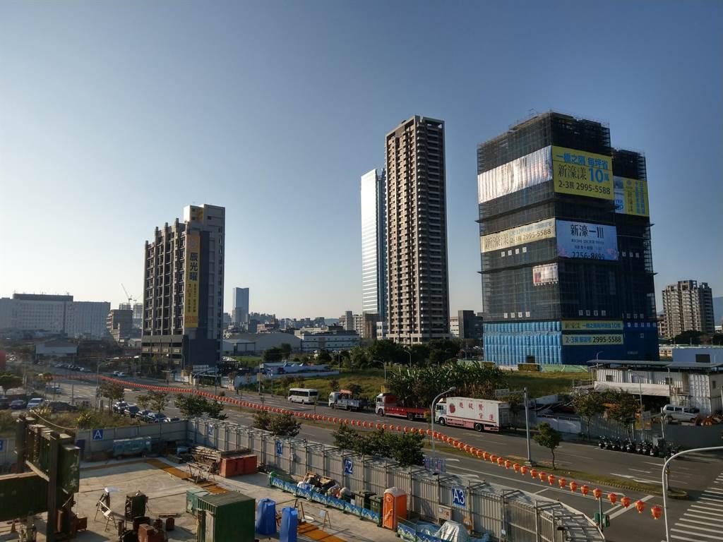 2020年北台灣完銷建案數量高達269個,暴增2倍飆出新高峰。(葉思含攝)