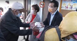 影/馬大姐、羅智強送愛心  發2600個餐盒助街友