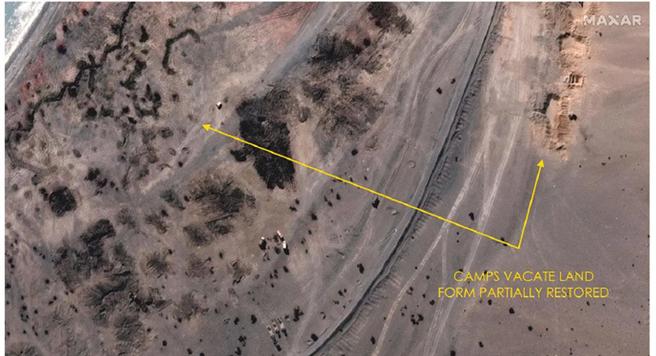 美國衛星拍攝的班公湖撤軍前後對比圖顯示,中方臨時搭建的工事與營舍已拆除完畢。圖為拆除後的衛星照。(圖/微博)