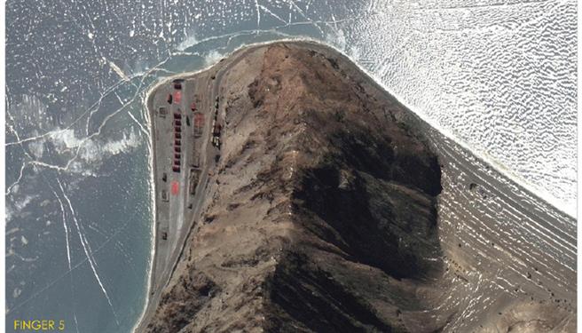 圖為解放軍在第5指地區構築的營地與哨所。(圖/微博)