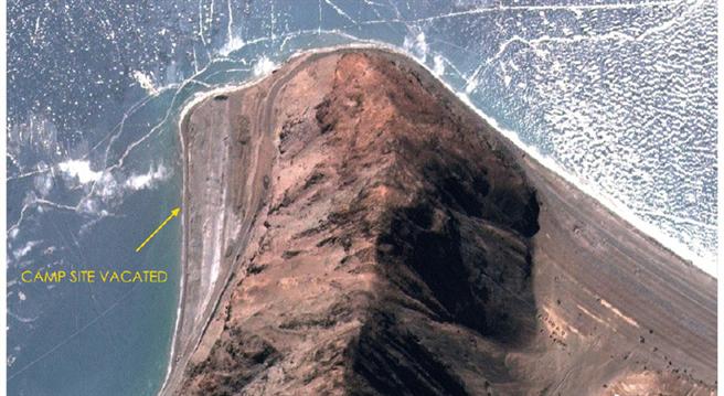 班公湖畔第5指營地工事連日來迅速拆除後的衛星圖。(圖/微博)