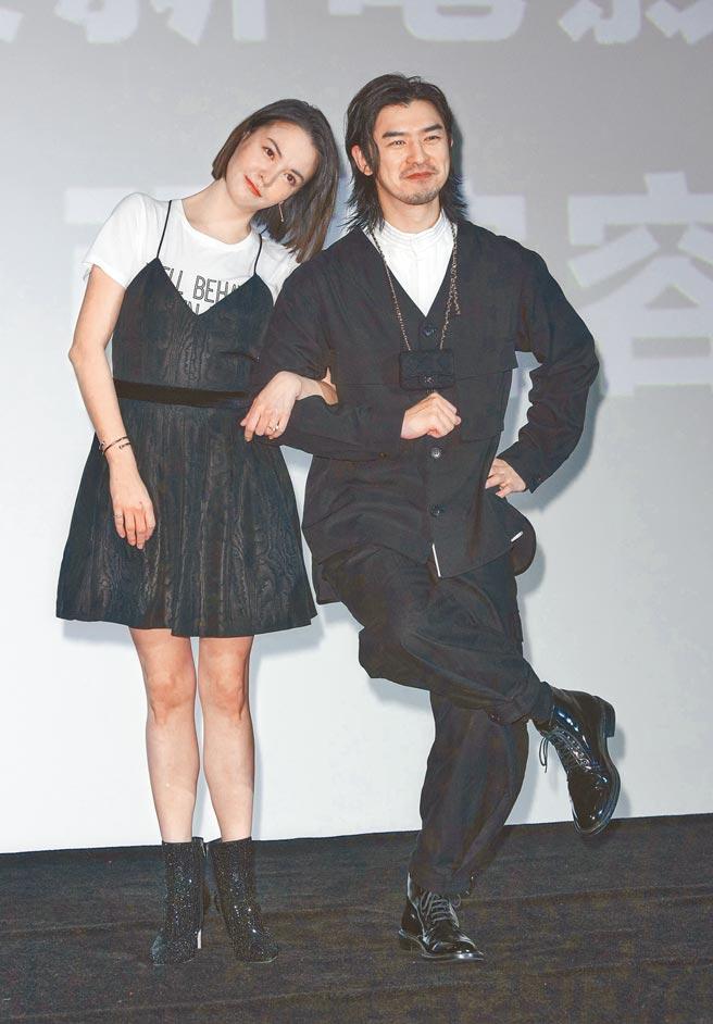 張榕容(左)、陳柏霖昨暢談拍攝《鬼才之道》前導片幕後趣事。(吳松翰攝)