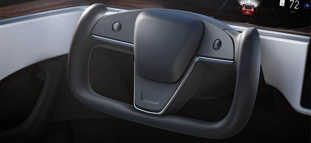 新款特斯拉 Model S 實車首度曝光,但配置的竟然不是 Yoke 平把方向盤