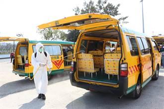 開學日在即 苗栗縣全面消毒學生交通車