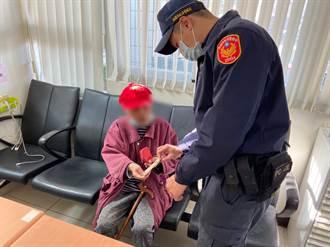 運將聽不懂重聽老婦話 熱心警察協助返家