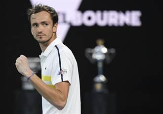 澳網》跨季20連勝到手 麥維德夫將和喬帥爭冠