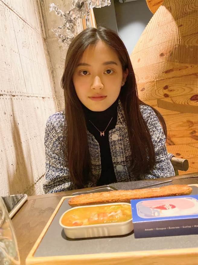 王彩樺的二女兒是氣質小美女。(圖/FB@王彩樺)