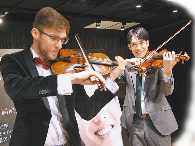 曾拿下多項國際小提琴大賽獎項的小提琴家林品任(右)、俄國小提琴家列夫‧索羅多夫尼可夫(左),演奏技術精湛。(杜宜諳攝)