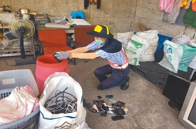 為幫助資源回收個體戶,台中市環保局推出「築巢安居」、「資收大軍」及「資收關懷」3項計畫,盼多管齊下、提供資收個體戶援助。(環保局提供/林欣儀台中傳真)