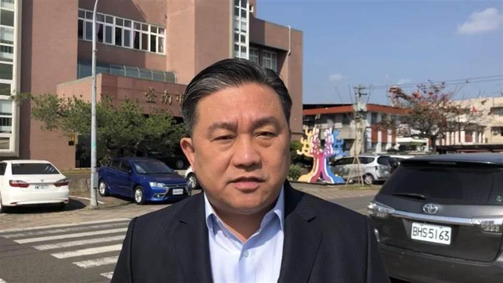 王定宇拍攝影片痛批大陸封殺台灣鳳梨是聯合境內親中勢力,要攻擊民進黨政府。(中時資料照)