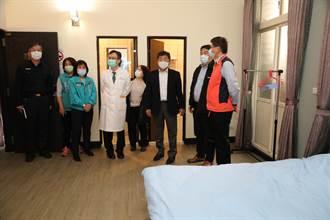 陳時中視察嘉義縣檢疫所 讚醫護人員有台灣精神