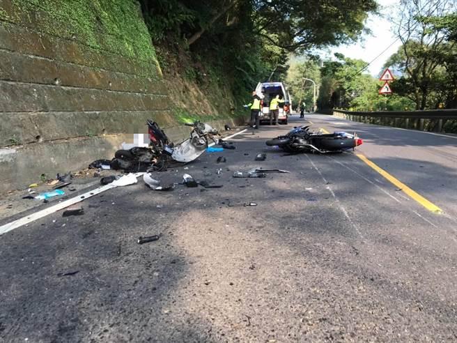 新店北宜公路下午發生嚴重車禍。(王揚傑翻攝)